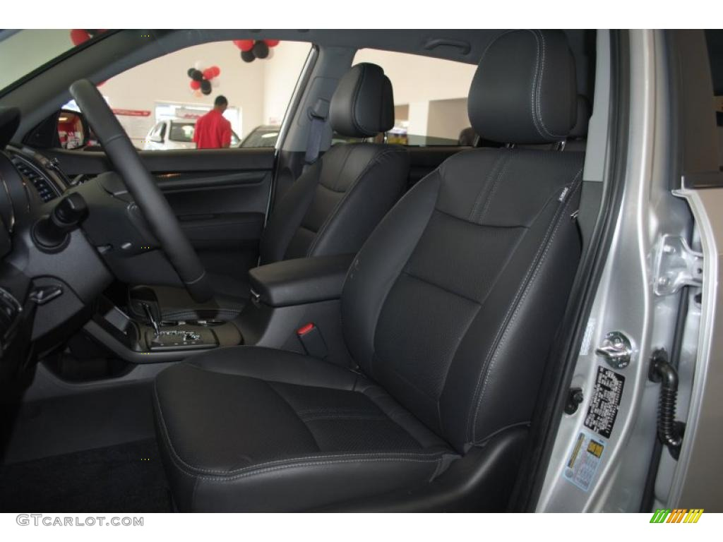 2011 Sorento SX V6 - Bright Silver / Black photo #15