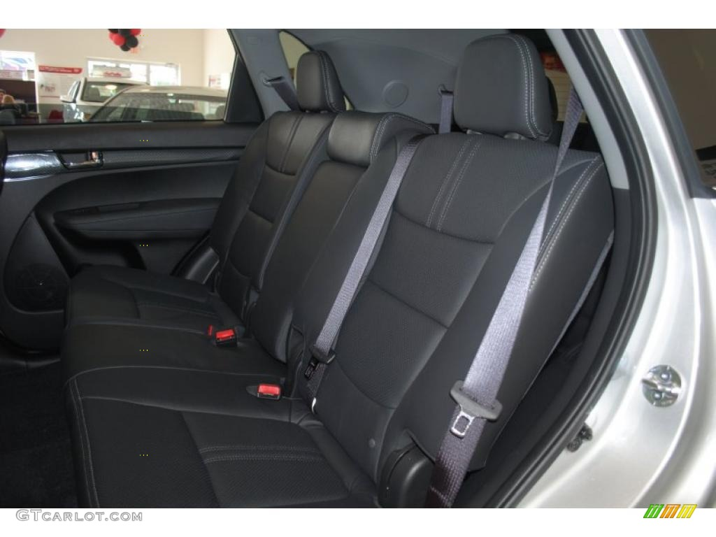 2011 Sorento SX V6 - Bright Silver / Black photo #18