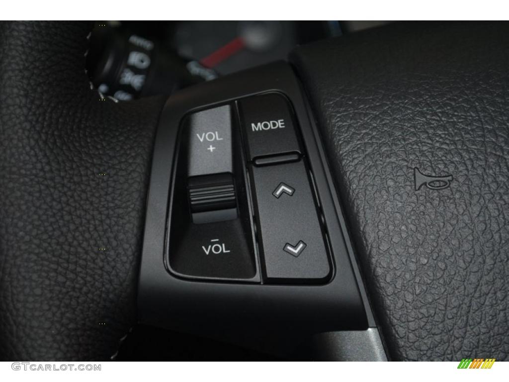 2011 Sorento SX V6 - Bright Silver / Black photo #30