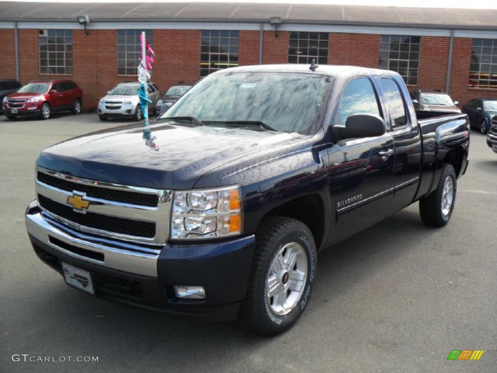 2011 Silverado 1500 LT Extended Cab 4x4 - Imperial Blue Metallic / Light Titanium/Ebony photo #1