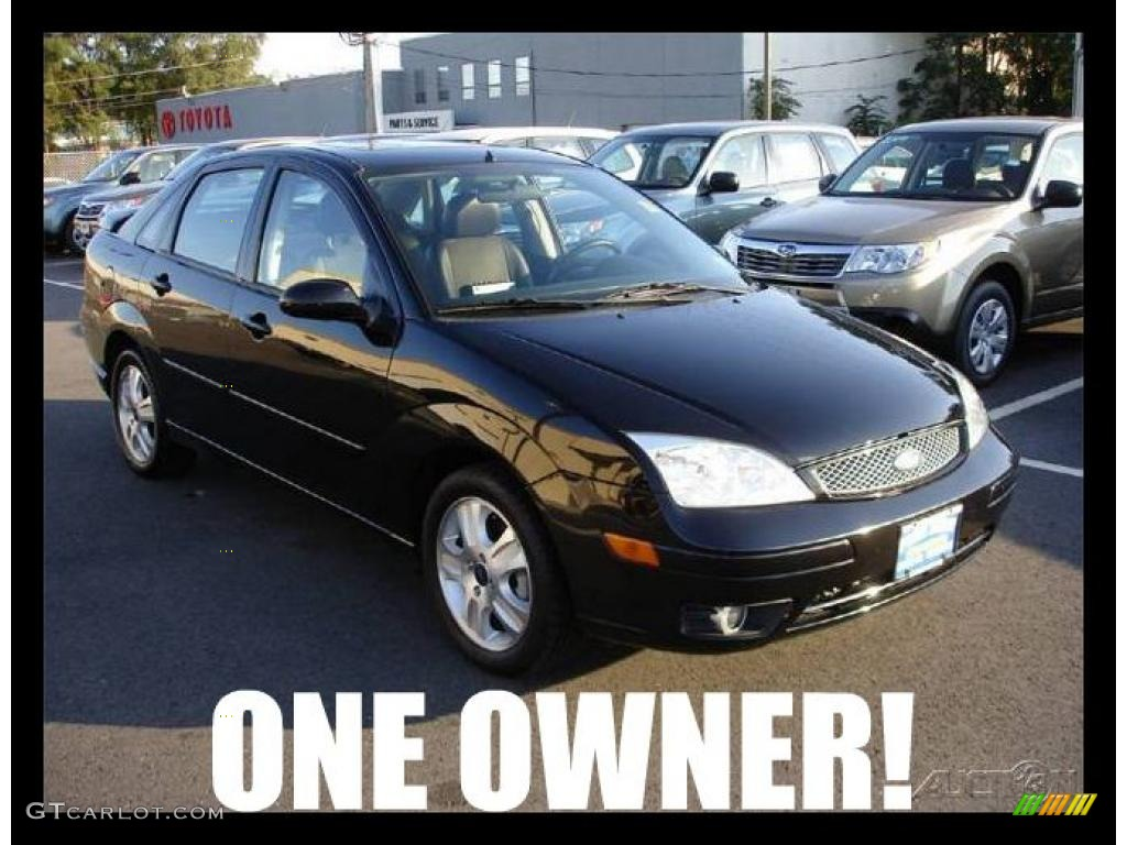 Pitch Black Ford Focus