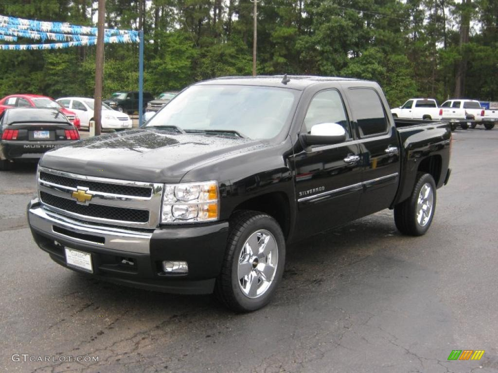 2011 Silverado 1500 LT Crew Cab - Black / Ebony photo #1