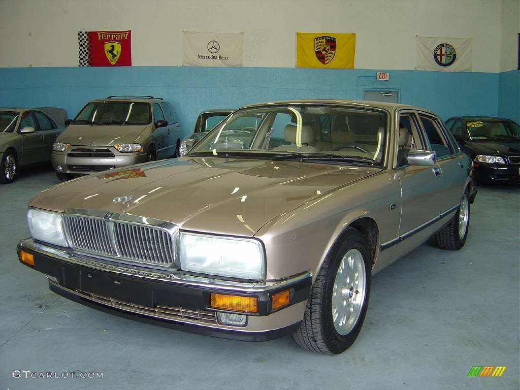 Silver Frost Metallic Jaguar XJ. Jaguar XJ XJ6