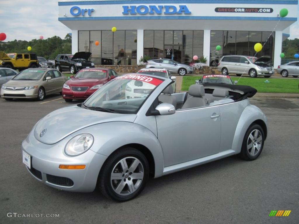 2006 reflex silver volkswagen new beetle 2 5 convertible 36547760 car color. Black Bedroom Furniture Sets. Home Design Ideas