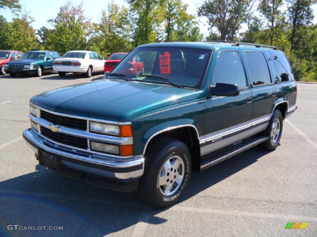 Amazoncom 2016 Chevrolet Tahoe Reviews Images and