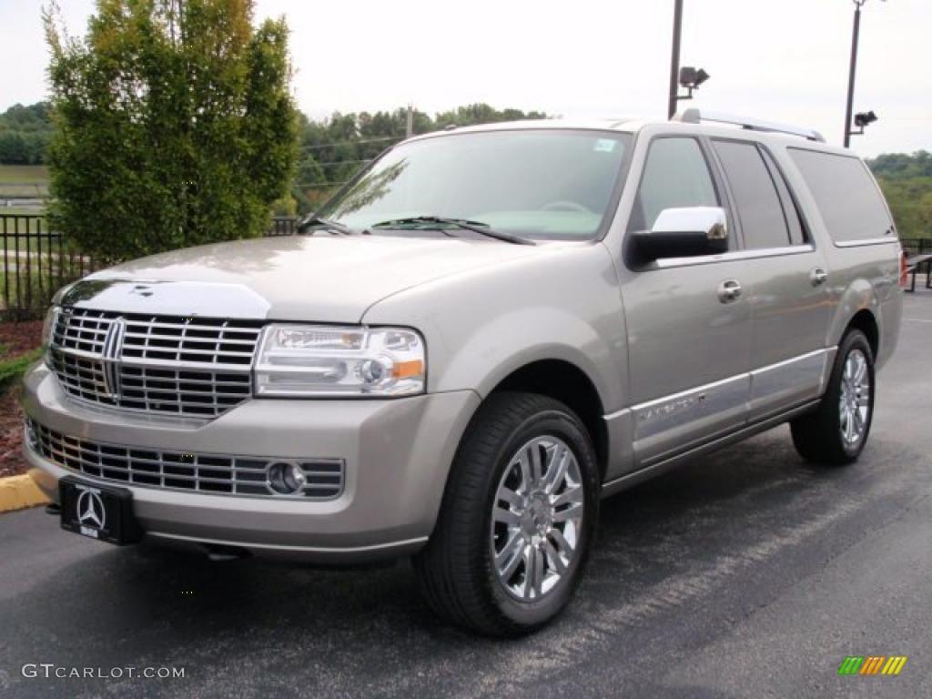 2008 Vapor Silver Metallic Lincoln Navigator L Elite 4x4