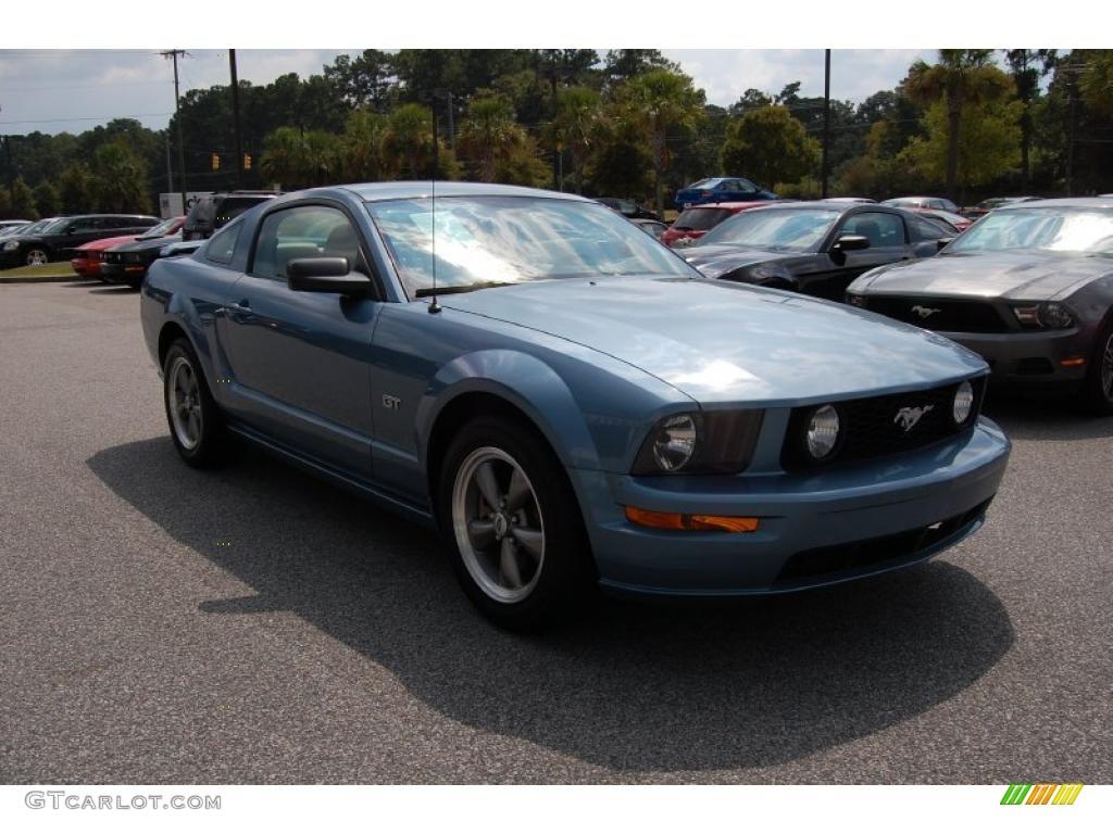 2006 Mustang GT Premium Coupe - Windveil Blue Metallic / Light Parchment photo #1