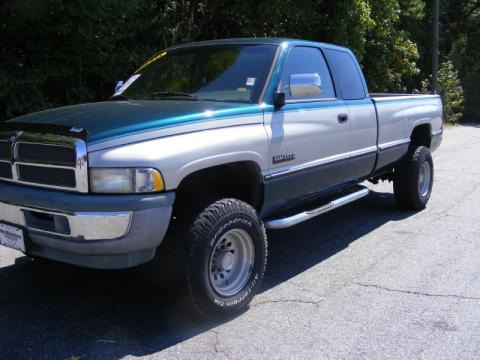 1997 dodge ram 2500 st extended cab 4x4 data info and specs. Black Bedroom Furniture Sets. Home Design Ideas