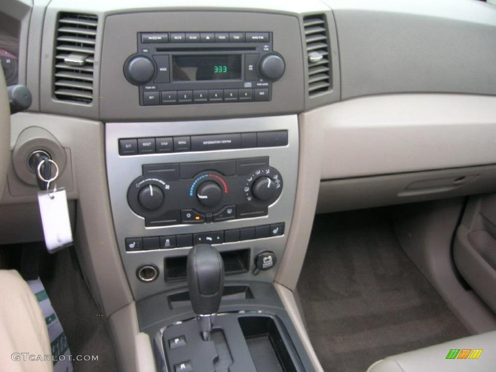 2005 light khaki metallic jeep grand cherokee laredo 4x4 - 2005 jeep grand cherokee laredo interior ...