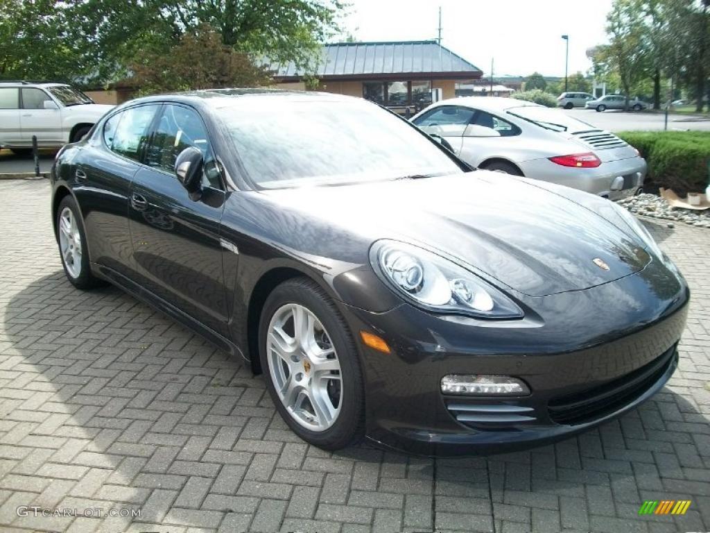 2011 Carbon Grey Metallic Porsche Panamera 4 37322372