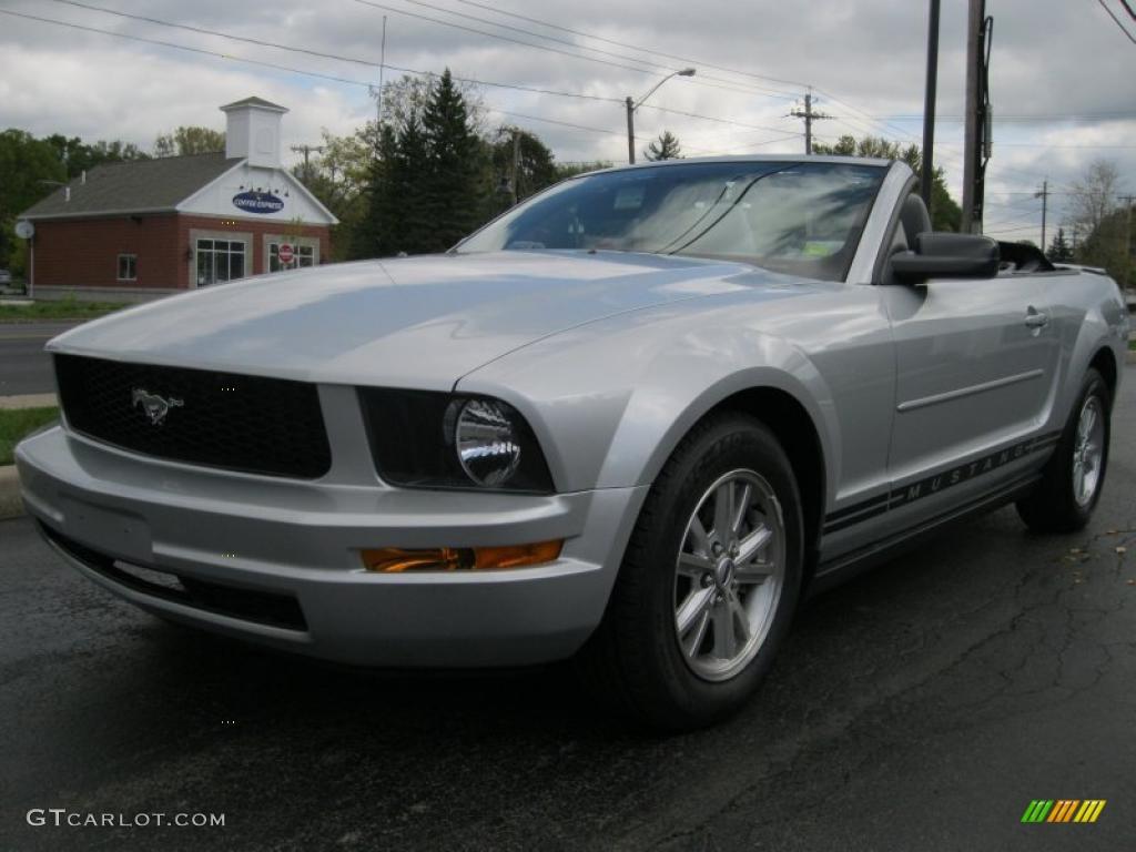 2007 Mustang V6 Deluxe Convertible - Tungsten Grey Metallic / Light Graphite photo #1