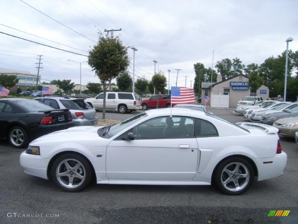 2003 Mustang Gt Coupe Oxford White Dark Charcoal Photo 2