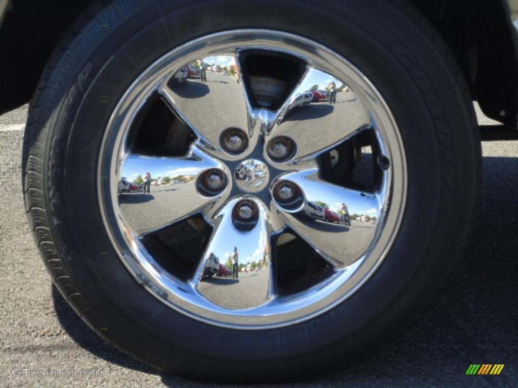 2005 Ram 1500 SLT Quad Cab 4x4 - Light Almond Pearl / Taupe photo #4