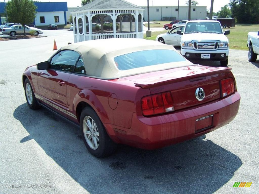 2007 Mustang V6 Deluxe Convertible - Redfire Metallic / Medium Parchment photo #7