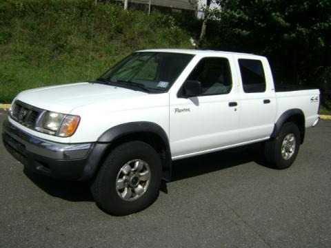 2000 nissan frontier xe crew cab 4x4 data info and specs. Black Bedroom Furniture Sets. Home Design Ideas