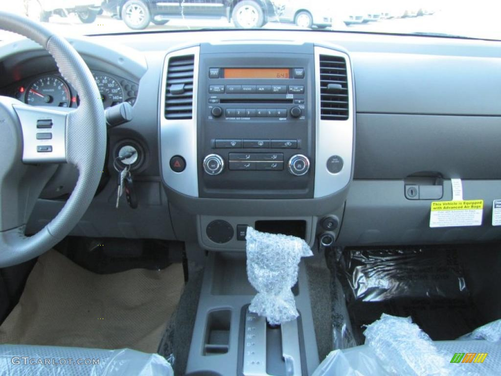 2011 Nissan Frontier Sv Crew Cab Interior Photo 37800380