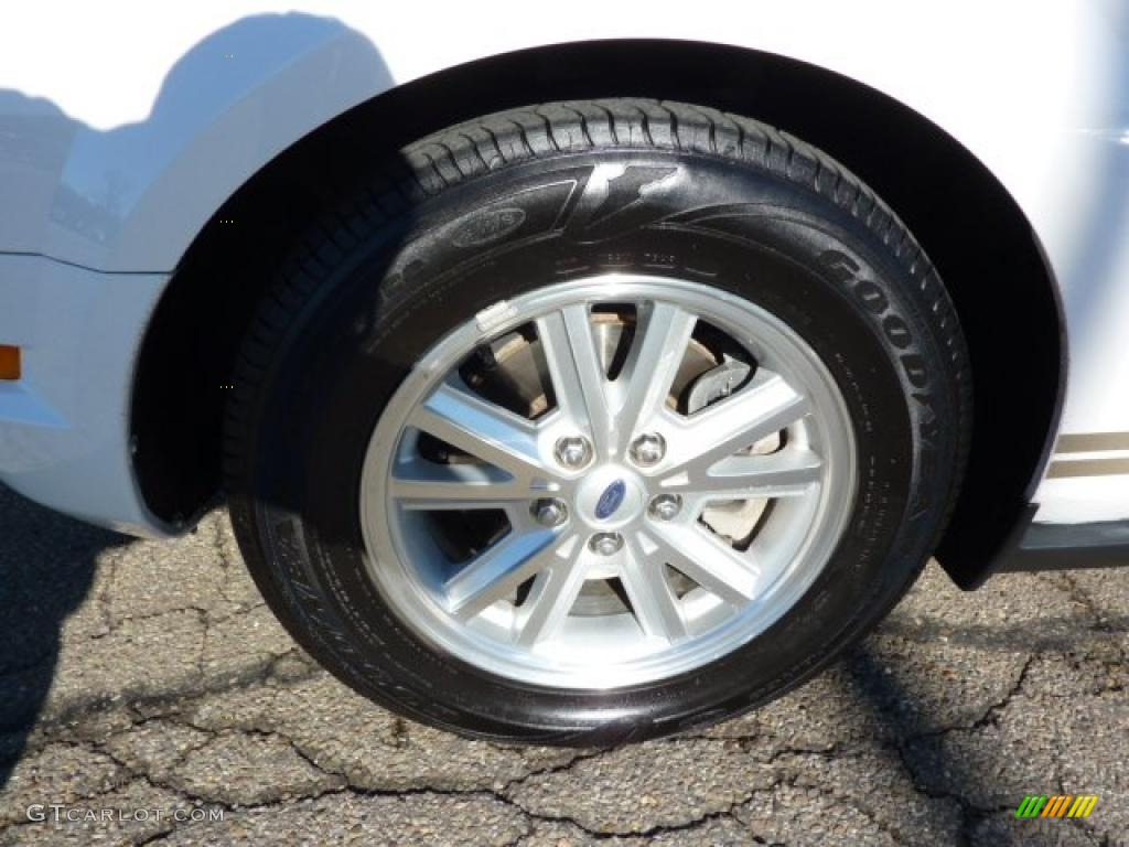 2007 Mustang V6 Premium Convertible - Performance White / Medium Parchment photo #9