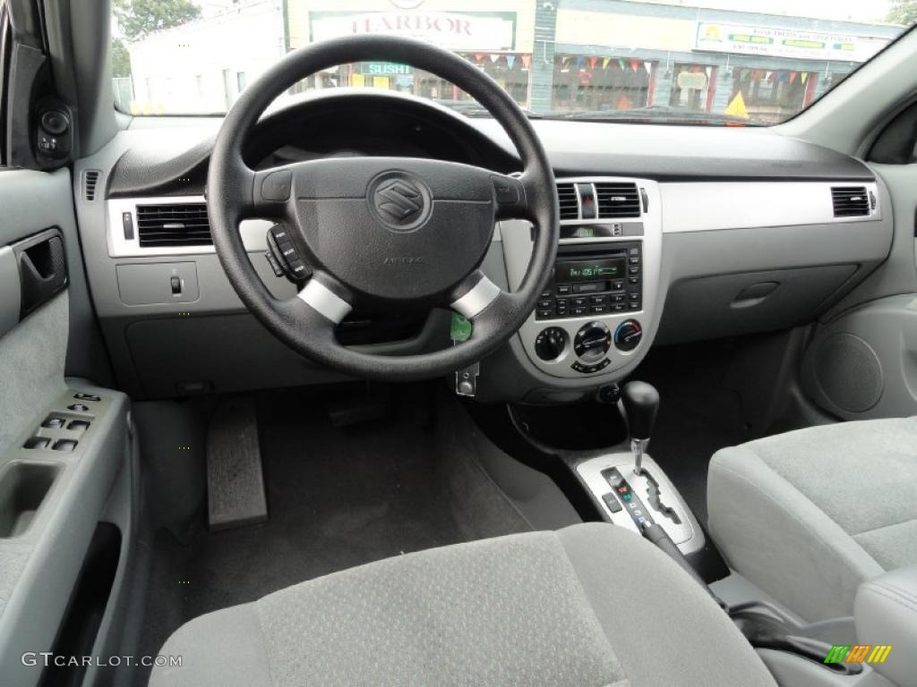 Gray interior 2004 suzuki forenza s photo 37822026