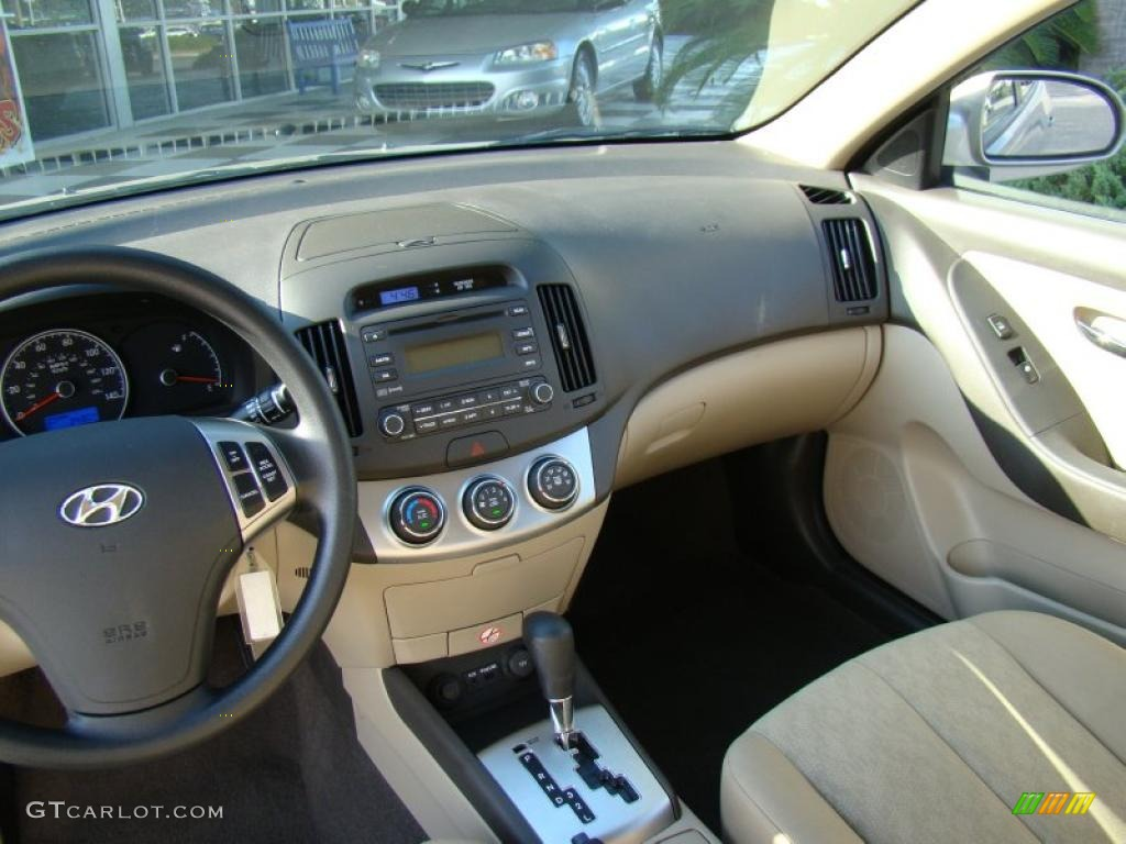 Beige Interior 2010 Hyundai Elantra Gls Photo 37901863