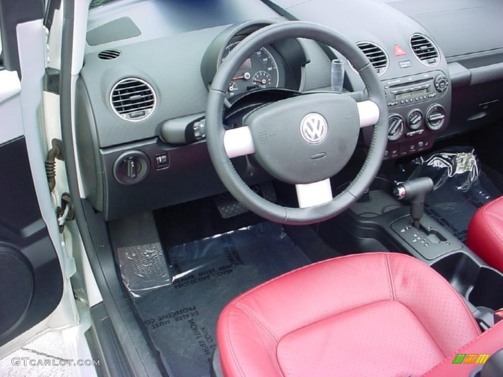Blush Red Leather Interior 2009 Volkswagen New Beetle 2 5 Blush Edition Convertible Photo