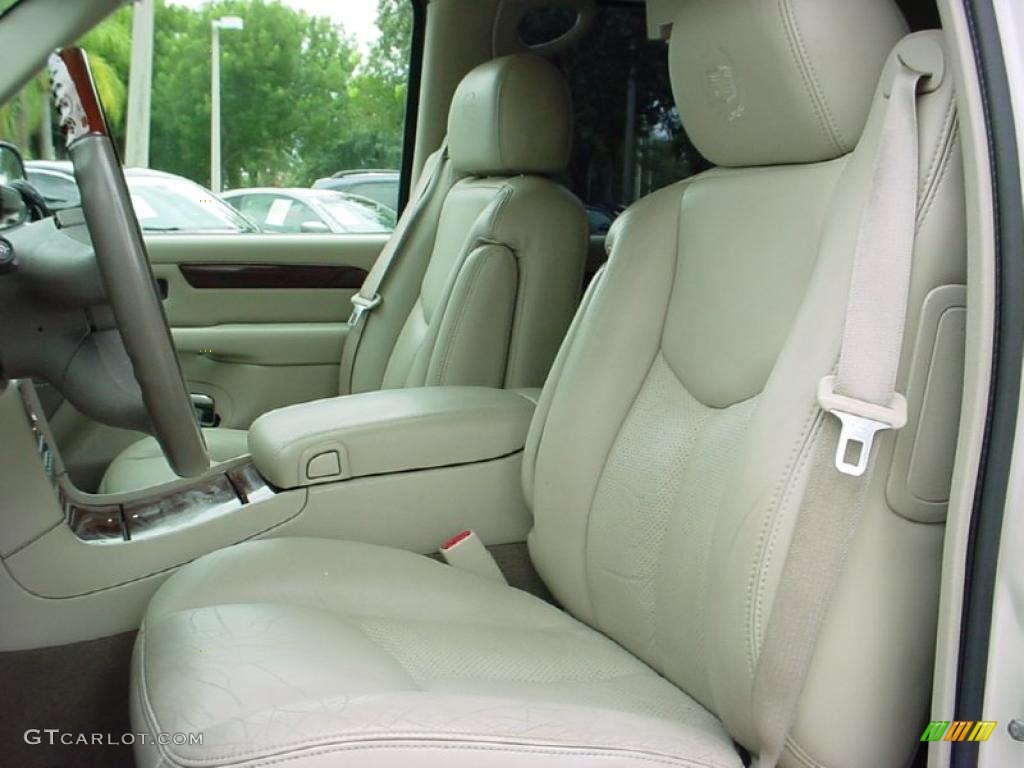 2005 Cadillac Escalade Standard Escalade Model interior ...