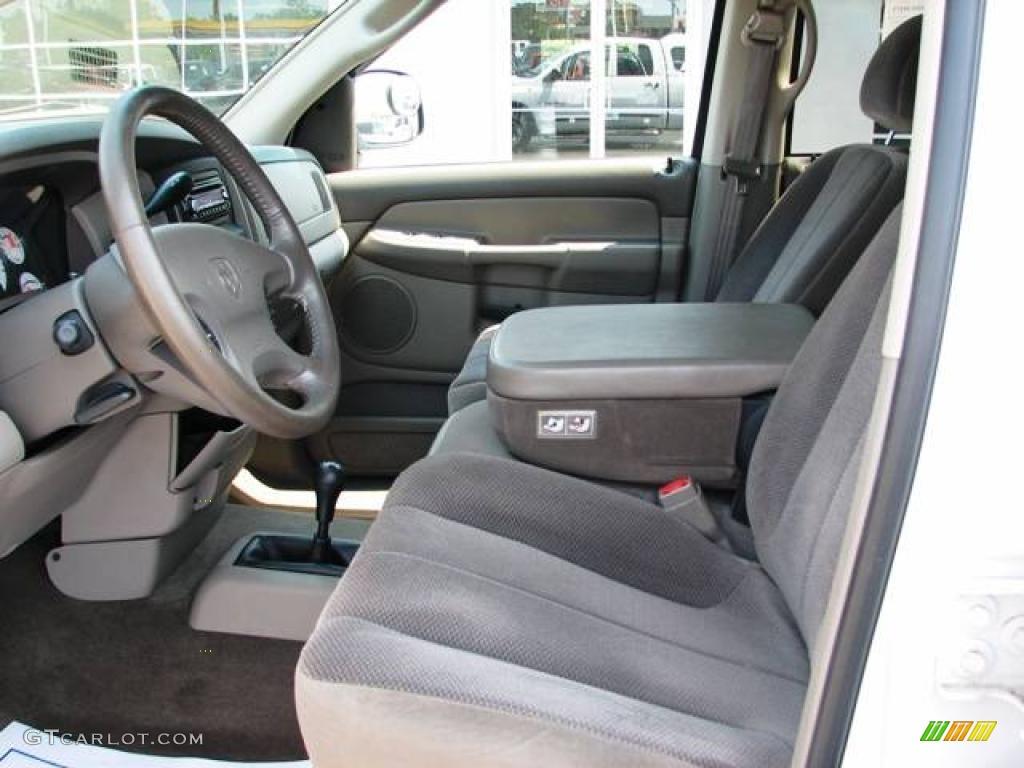 2002 Ram 1500 SLT Quad Cab 4x4 - Bright White / Taupe photo #10