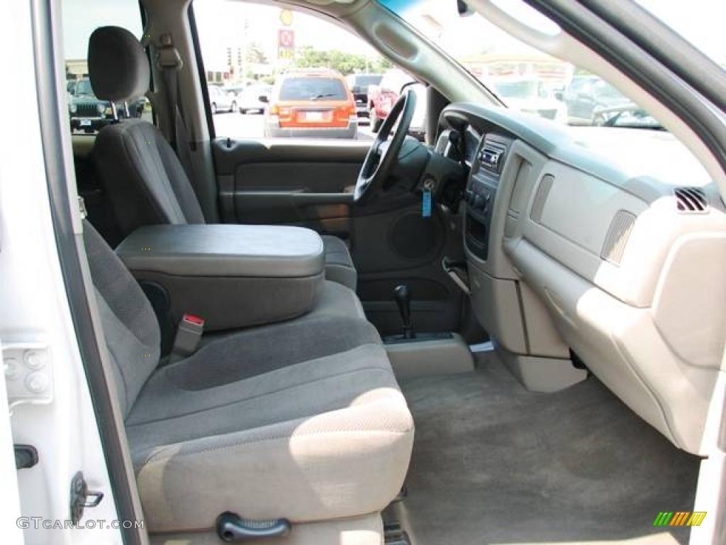 2002 Ram 1500 SLT Quad Cab 4x4 - Bright White / Taupe photo #11