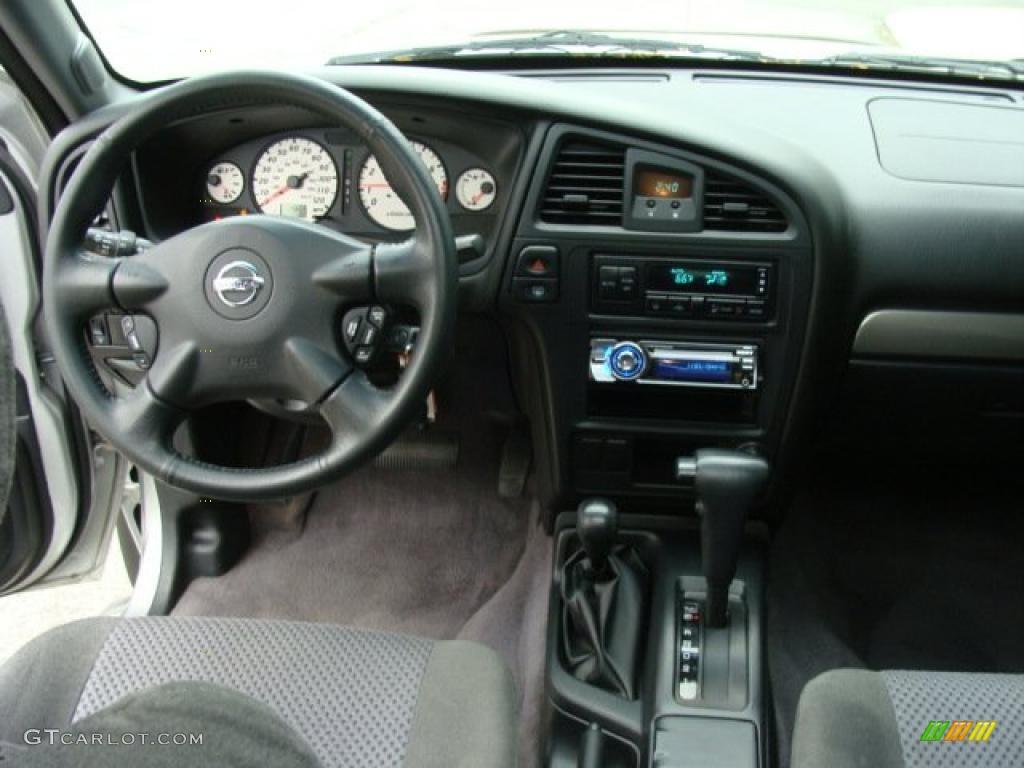 2004 nissan pathfinder se 4x4 charcoal dashboard photo 38165054 for 2004 nissan pathfinder interior