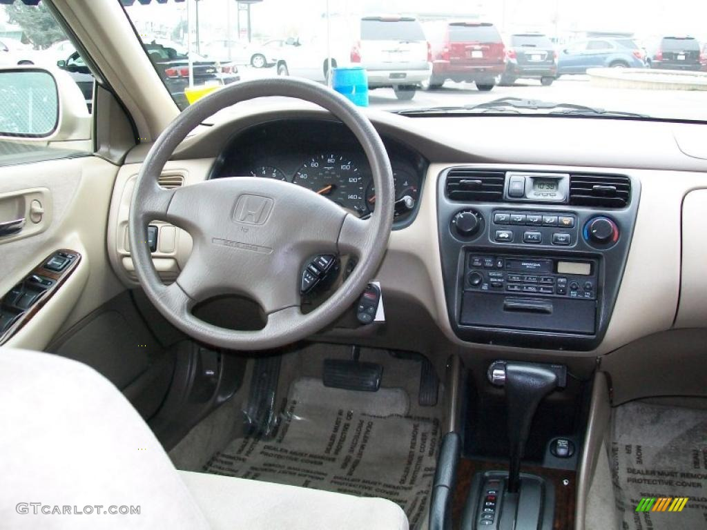2000 Honda Accord Se Sedan Ivory Dashboard Photo 38197620