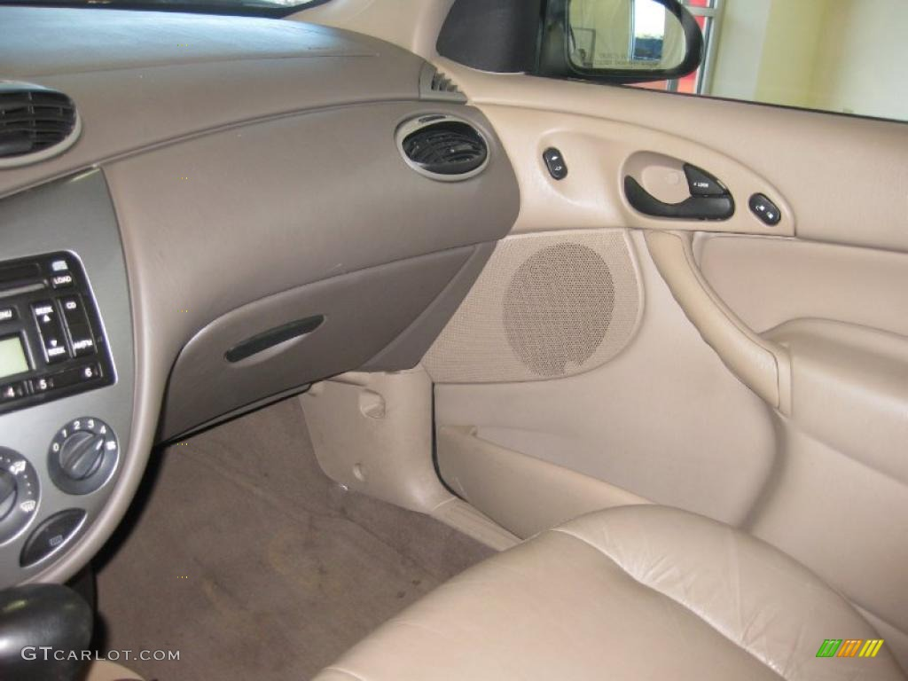 medium parchment interior 2002 ford focus zts sedan photo. Black Bedroom Furniture Sets. Home Design Ideas