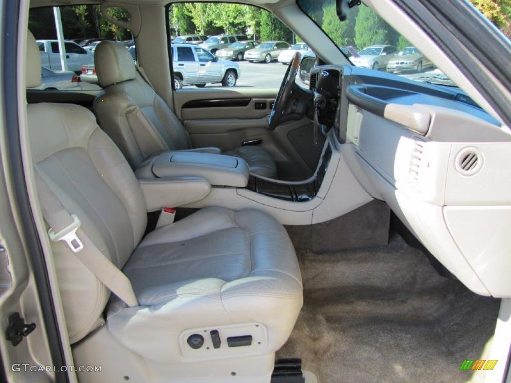 2002 Cadillac Escalade Standard Escalade Model Interior Photo 38203320