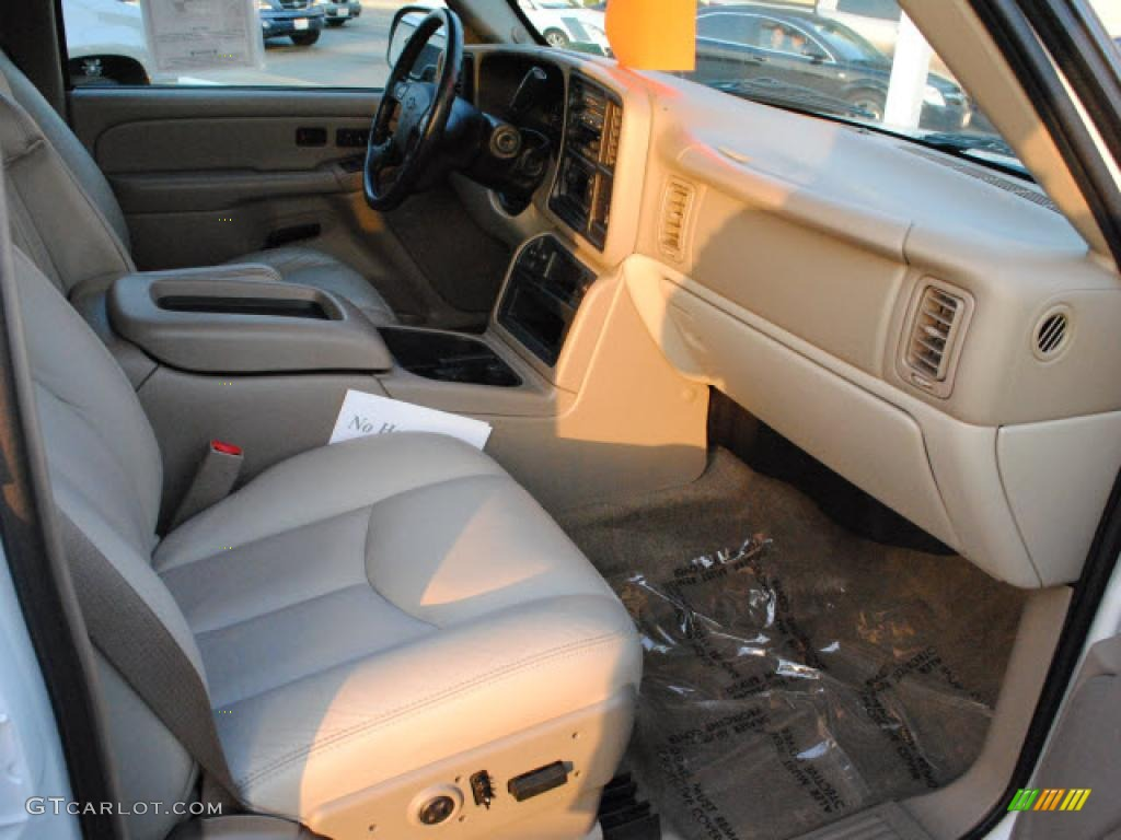 tan neutral interior 2004 chevrolet tahoe lt photo 38230875. Black Bedroom Furniture Sets. Home Design Ideas