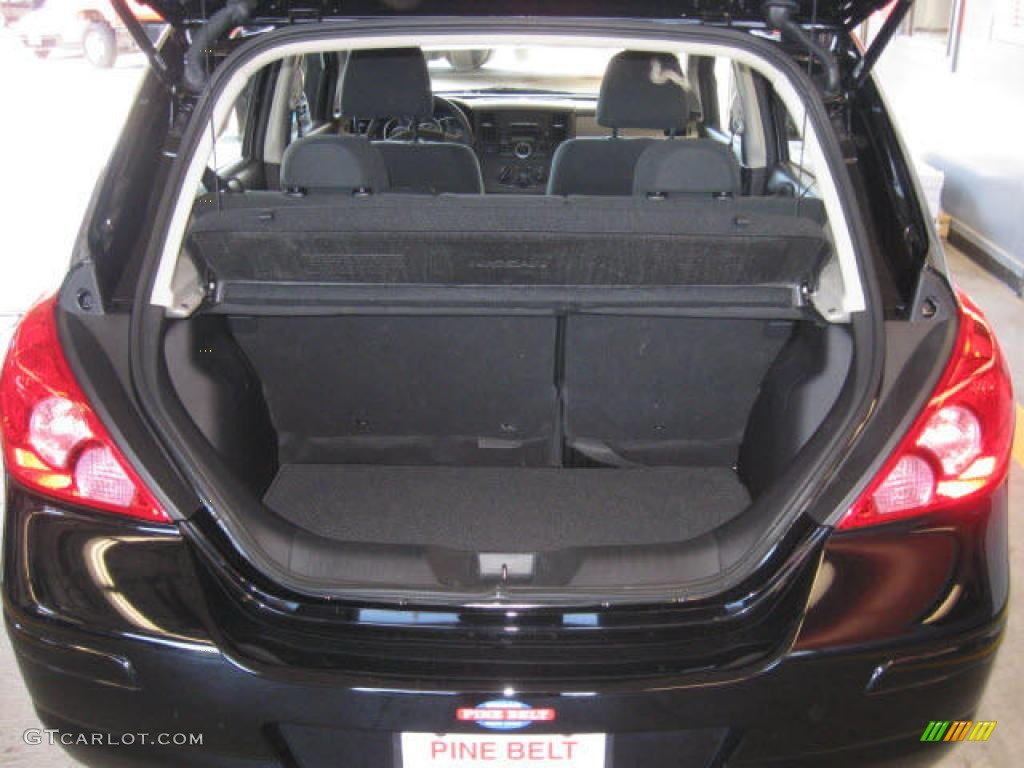 2009 Nissan Versa 1 8 S Hatchback Trunk Photo 38272080