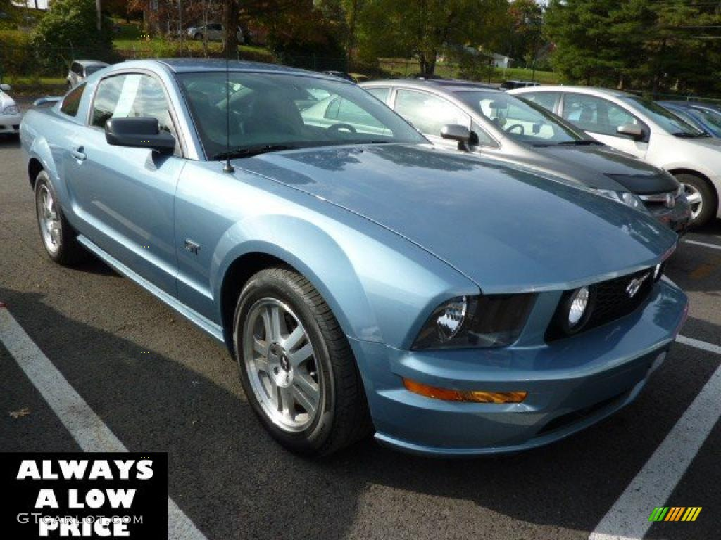 2006 Mustang GT Premium Coupe - Windveil Blue Metallic / Dark Charcoal photo #1