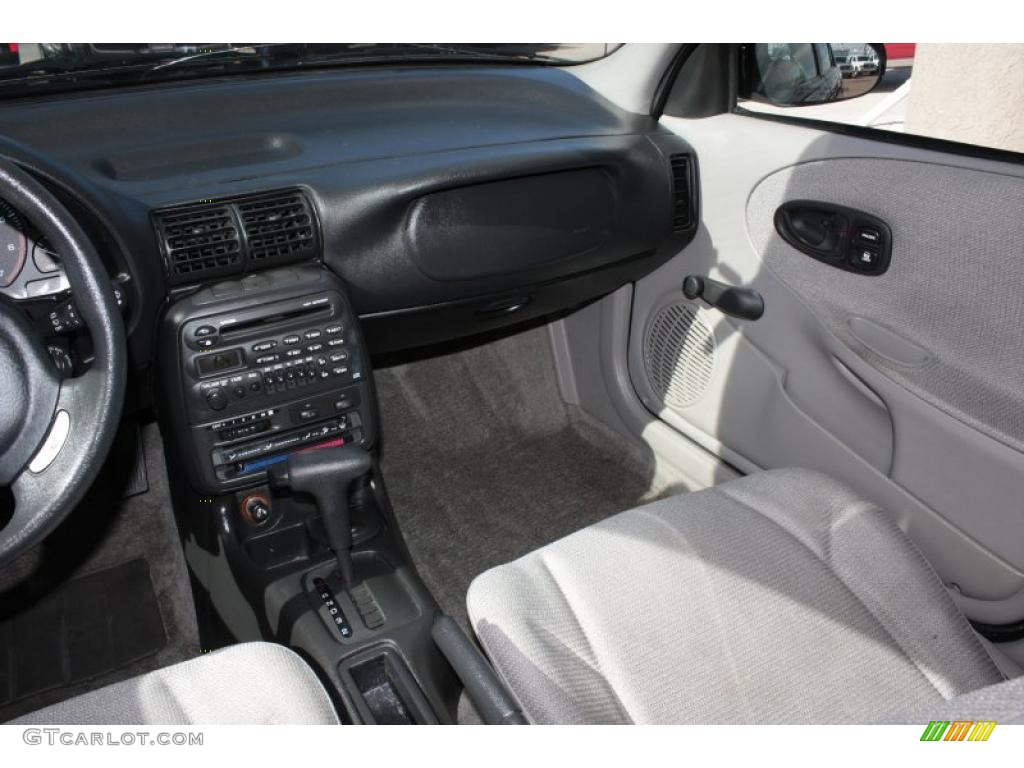 1999 saturn s series sw1 wagon interior photo 38381190