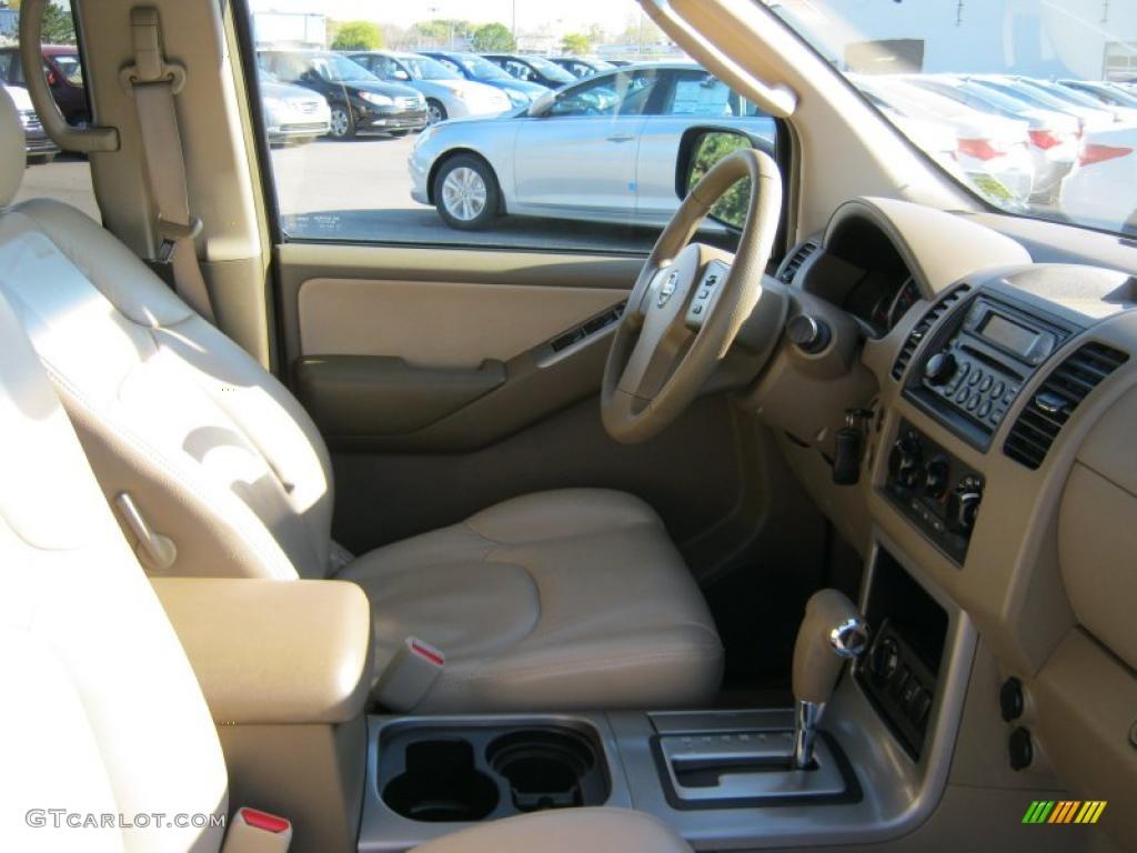 Desert Interior 2005 Nissan Pathfinder Xe 4x4 Photo 38394096