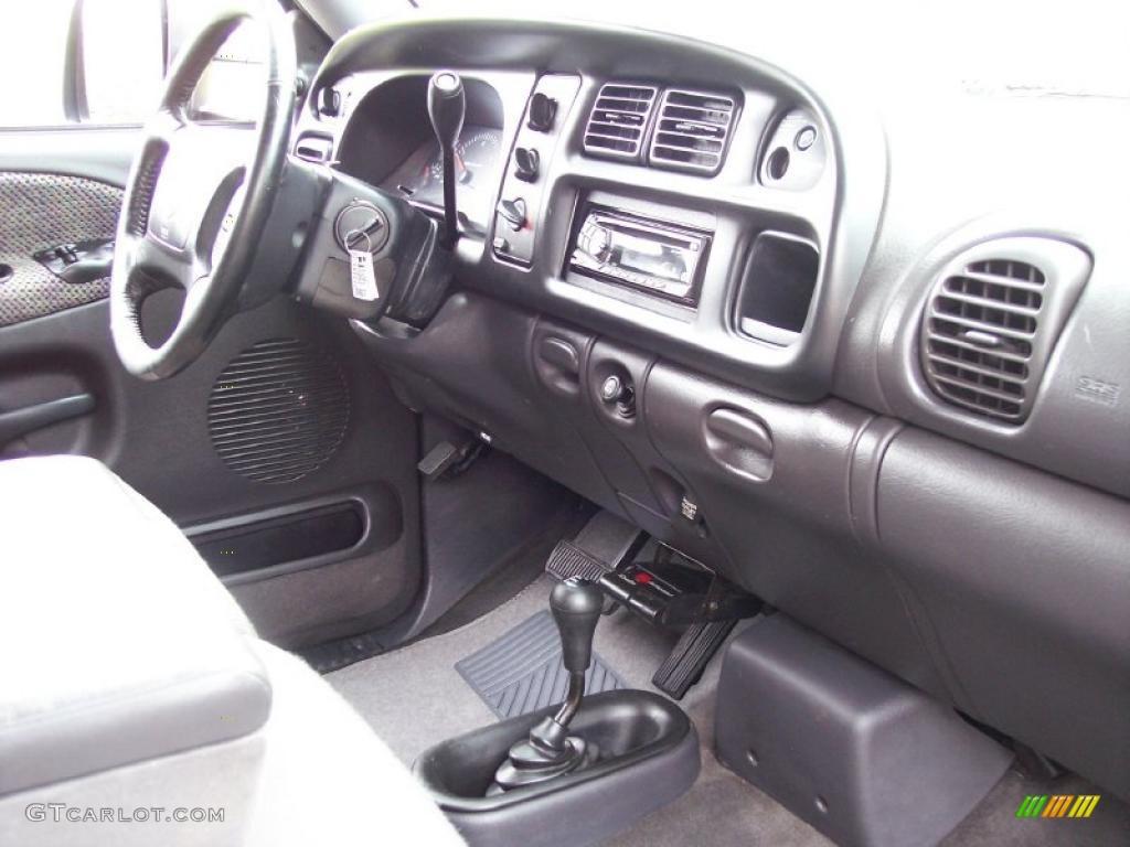 on 1998 Dodge Ram 3500 Dashboard