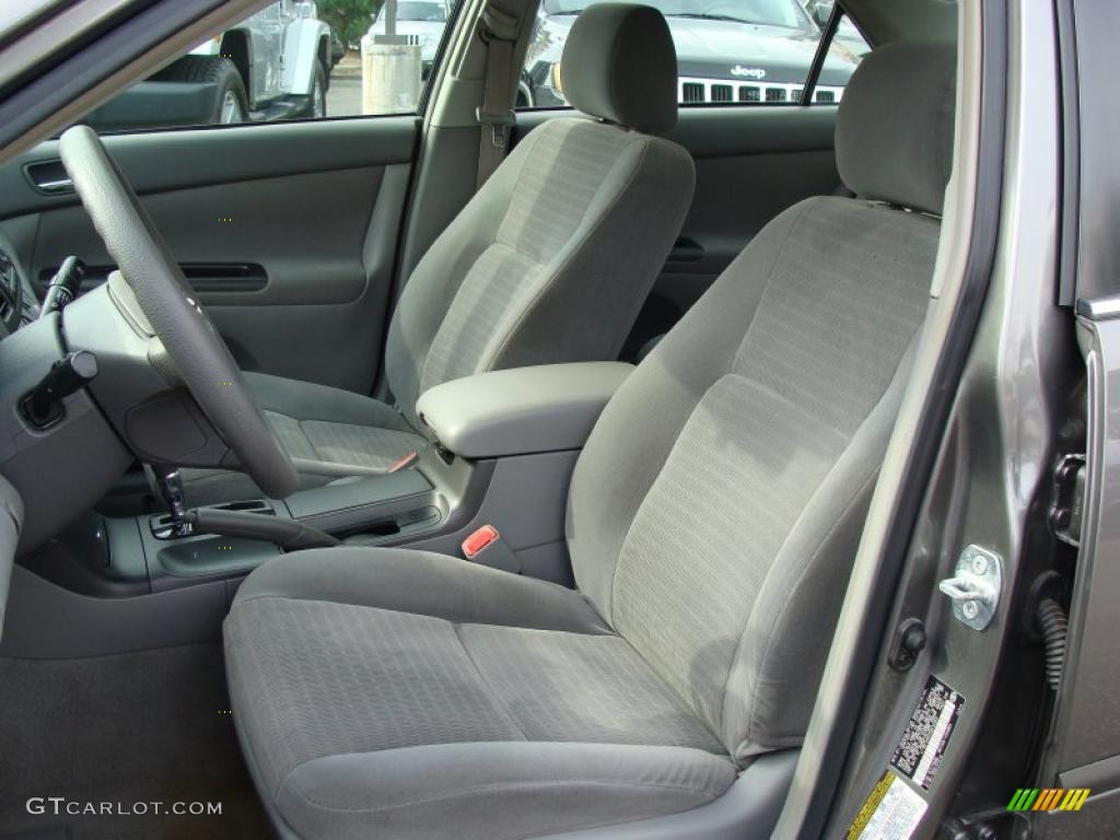 Gray interior 2005 toyota camry le v6 photo 38426969