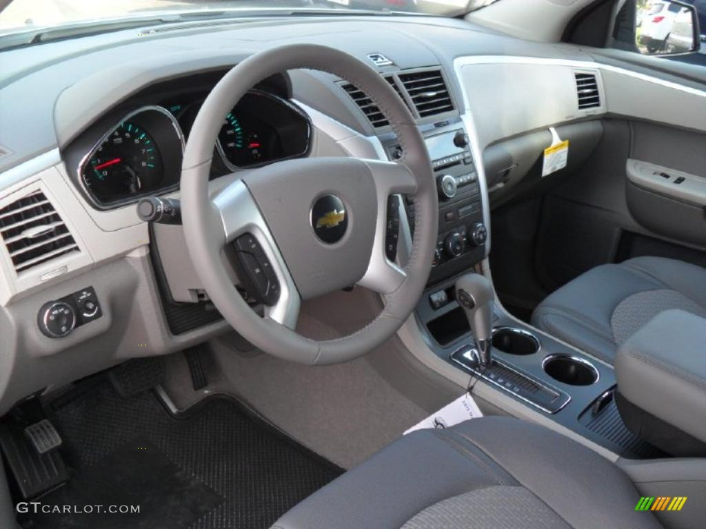 Dark gray light gray interior 2011 chevrolet traverse ls for Dark grey interior
