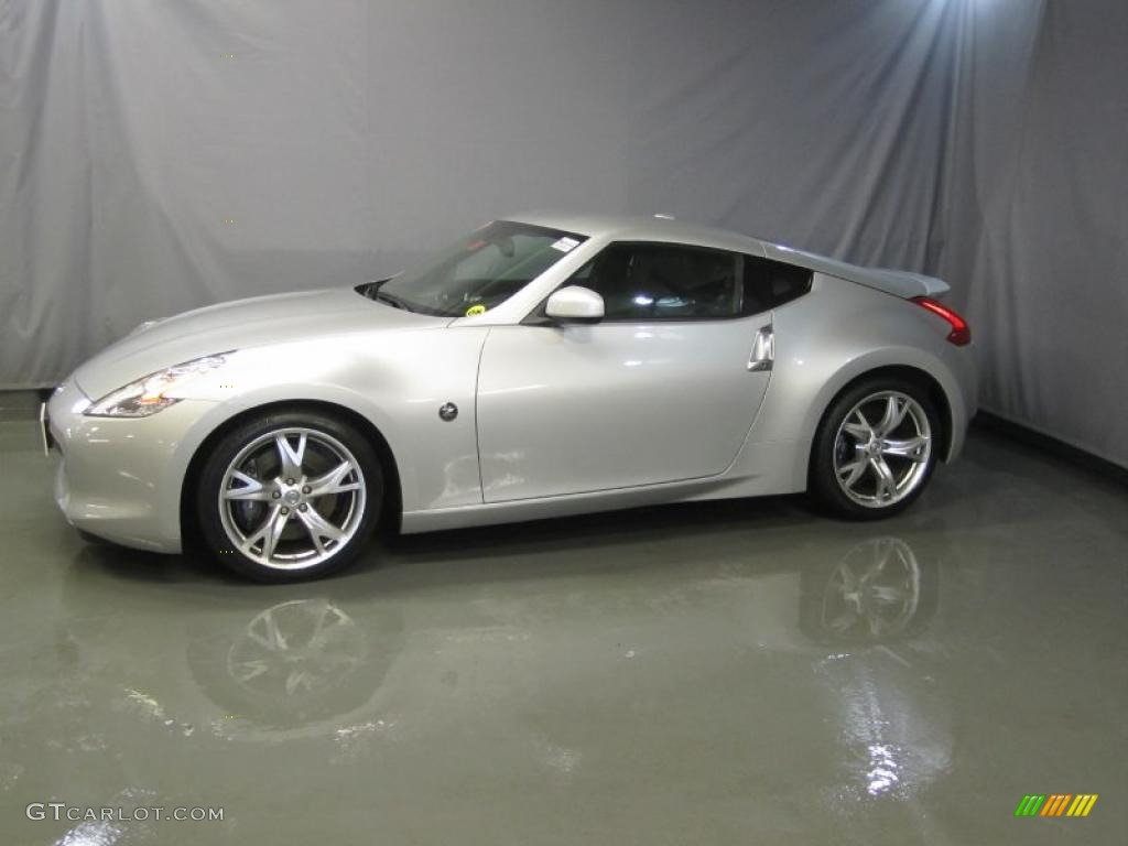 Brilliant Silver 2009 Nissan 370z Sport Touring Coupe
