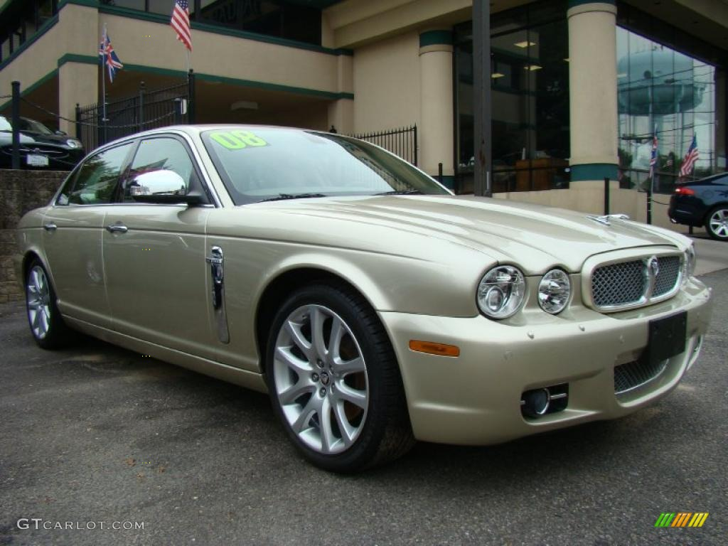 Winter gold metallic 2008 jaguar xj vanden plas exterior for Jaguar xj exterior