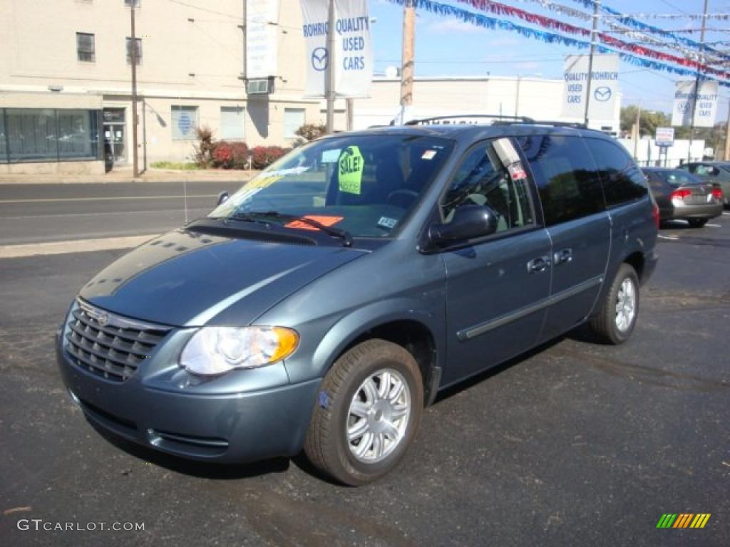 2007 magnesium pearl chrysler town country touring. Black Bedroom Furniture Sets. Home Design Ideas