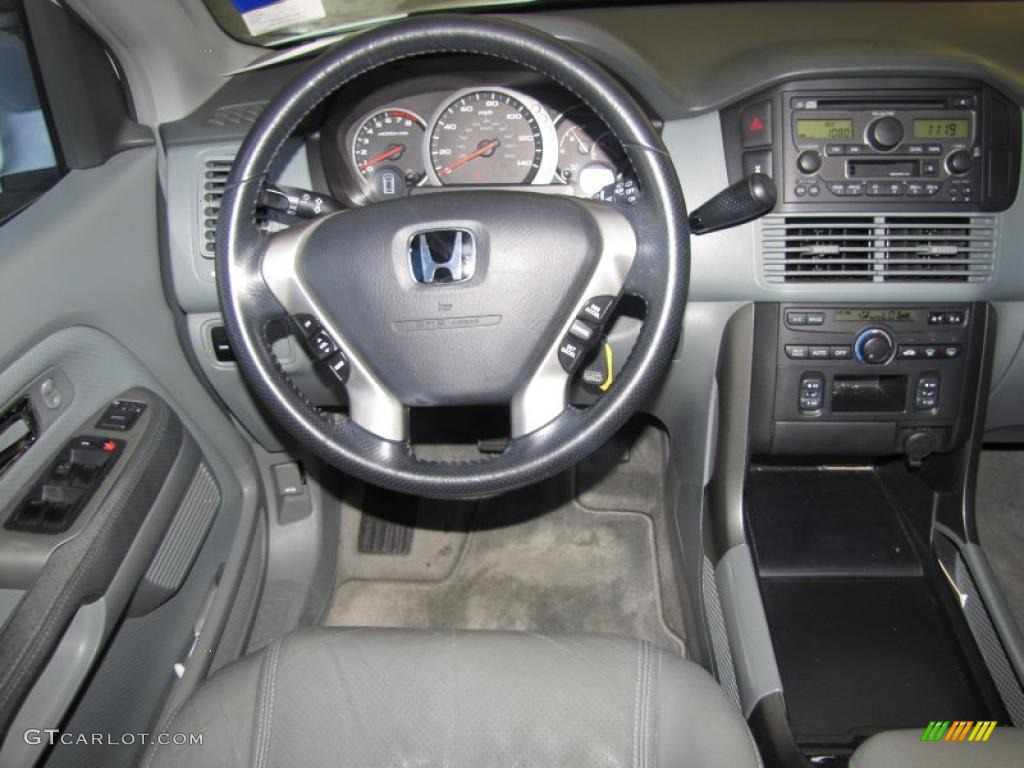 Gray Interior 2004 Honda Pilot EX L 4WD Photo #38532243