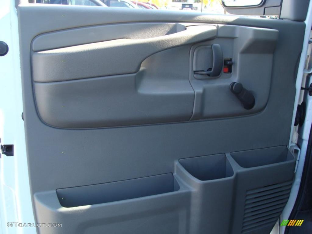 2007 Chevrolet Express 2500 Commercial Van Door Panel Photos