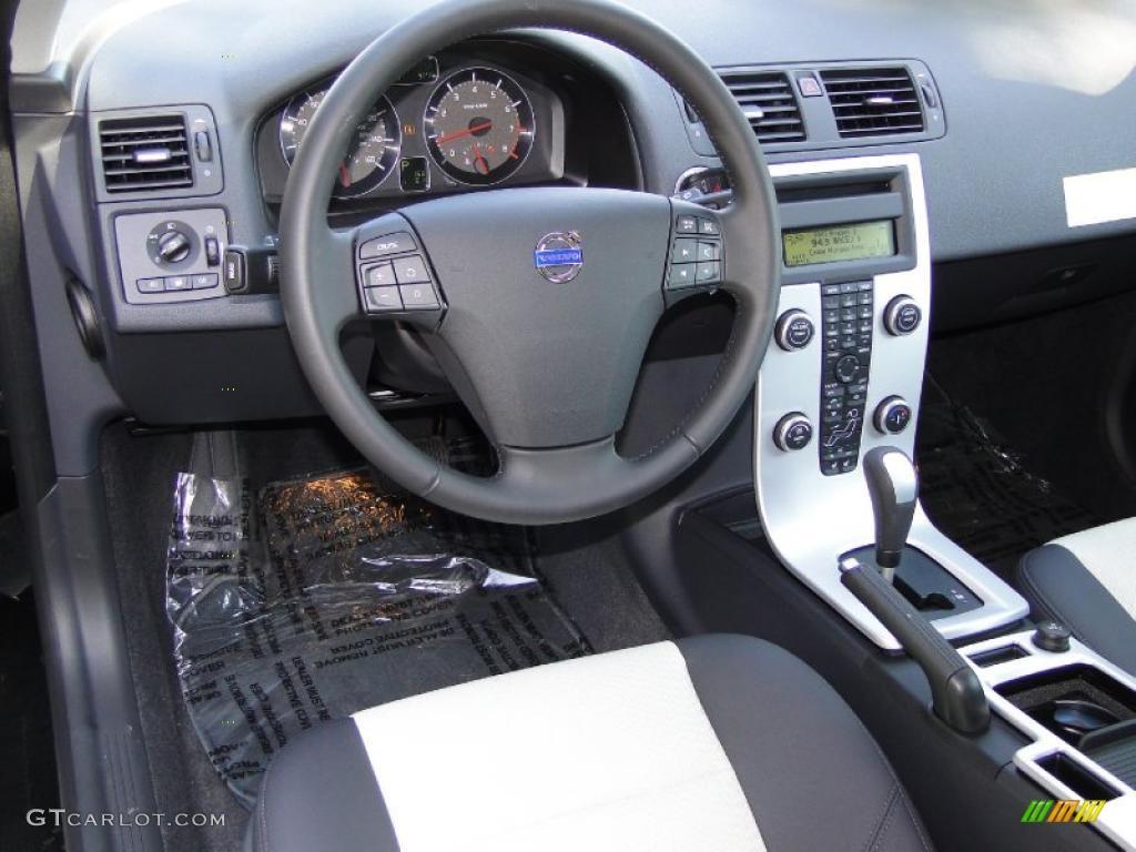 2011 Volvo C30 T5 interior Photo #38538635 | GTCarLot.com