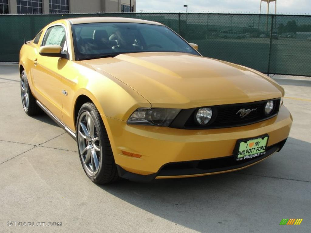 Yellow Blaze Metallic Tri-coat Ford Mustang