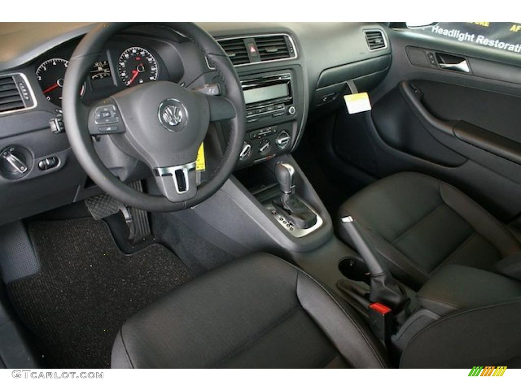 Titan Black Interior 2011 Volkswagen Jetta SE Sedan Photo ...