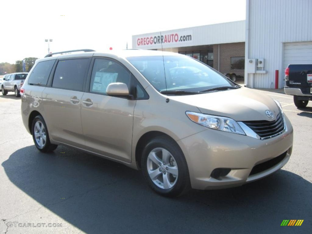 2011 Sienna LE - Sandy Beach Metallic / Light Gray photo #1