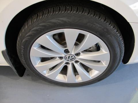2010 Volkswagen Cc Sport. 2010 Volkswagen CC Sport Wheel