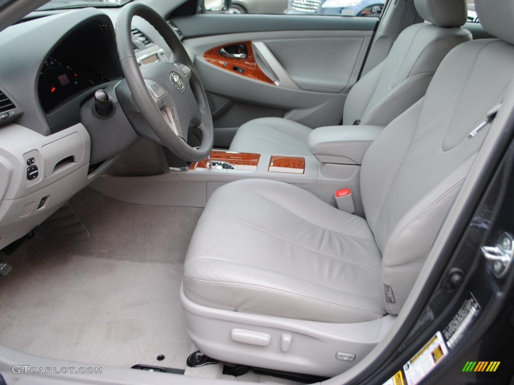 ash gray interior 2010 toyota camry xle v6 photo 38572785. Black Bedroom Furniture Sets. Home Design Ideas